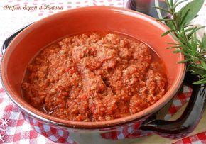 Ragù di cinghiale ricetta saporita è un'ottima preparazione per dare vita a tagliatelle o pappardelle,la pasta più adatta per questo ragu di cacciagione.
