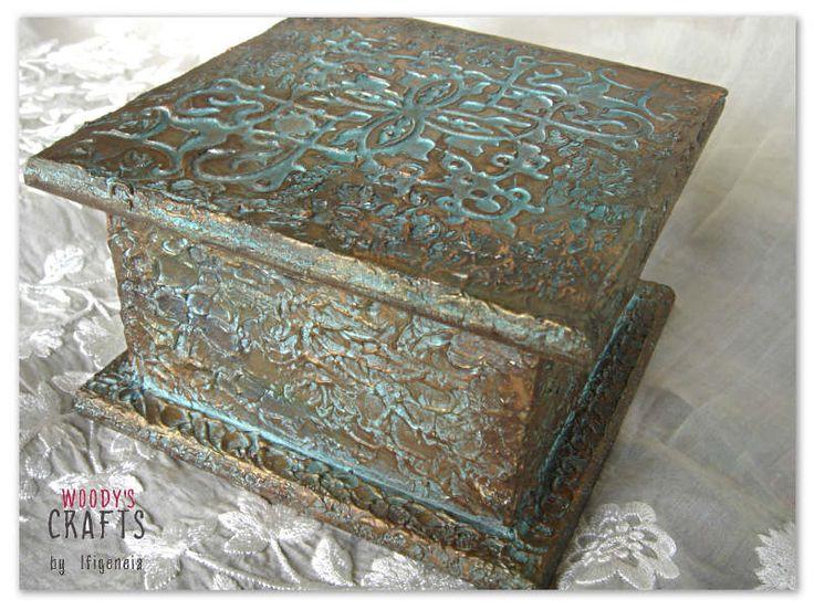 Διακοσμητική χειροποίητη μπιζουτιέρα   Κουτιά αποθήκευσης   Περισσότερα στη διεύθυνση: http://j.mp/woodys-crafts-gallery-bizoutieres