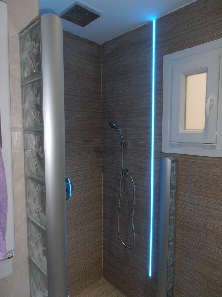 Iluminaci n integrada en ducha de obra mediante perfiles - Tiras de led rgb ...