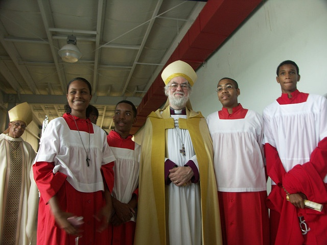 Archbishop Rowan Williams with the acolytes at the Anglican Consultative Council Meeting in Jamaica, 2009. Photo: Marites N. Sison/Anglican Journal  | Flickr - Photo Sharing!