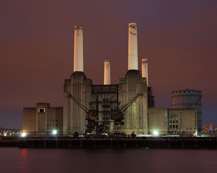 """Battersea Power Station"" - Ale Cavallo"