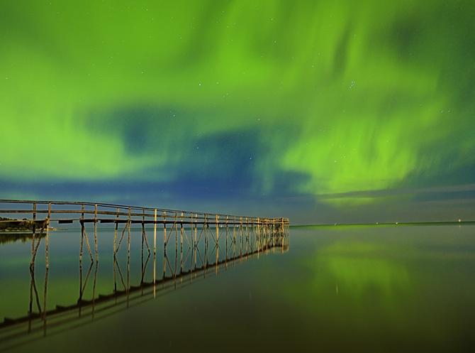 Northern lights on Lake Winnipeg, Manitoba. Photographers | Mike Grandmaison | Winnipeg, Manitoba | Photography | Photographers