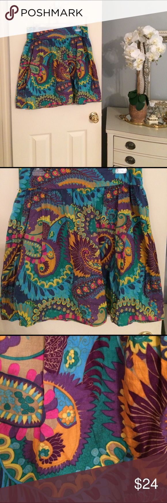 "Mimi Chica tropical paisley mini skirt Gorgeous 100% cotton (including the lining) Mimi Chica tropical paisley print mini skirt. Rear zip closure with a thick waistband. A beautiful addition to your spring and summer wardrobe. Purchased at Nordstrom. EUC. Waist = 32"" / Length = 20"" Mimi Chica Skirts Mini"