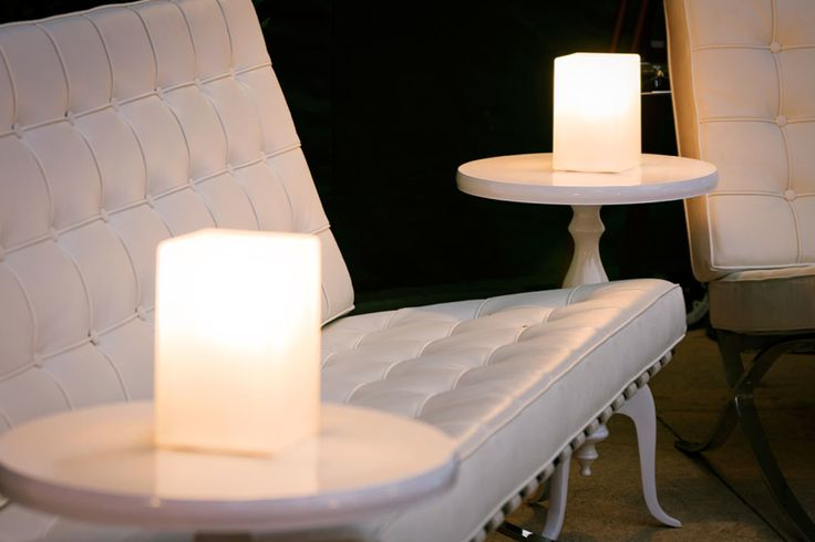 Cordless Ice cube lamps, white new York side table