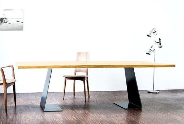 Zsteel In Szene Gesetzt Massivholz Tisch Konfigurieren Eiche Esstisch Mit Stahlfussen Zsteel Tisch N Wohnungseinrichtung Massivholztisch Esstisch Massivholz