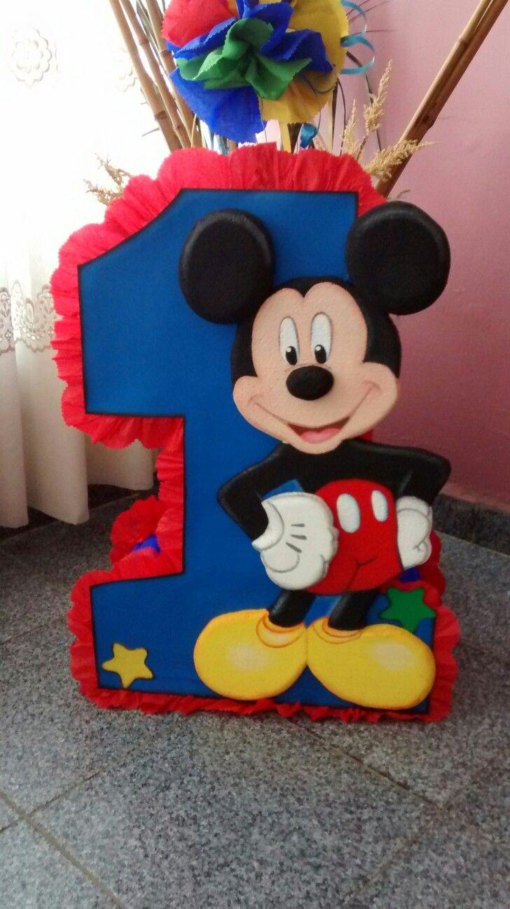 Piñata de número uno con Mickey Mouse