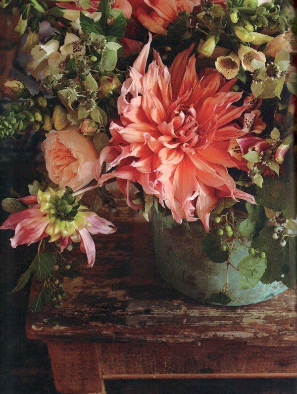 .Sugar Flower, Floral Design, Design Book, Autumn Flower, Flower Arrangements, Gardens Flower, Flower Display, Dahlias Arrangements, Cut Flower