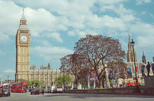 Cambridge English, a través de su plataforma, ofrece un test gratuito para que cualquier persona del mundo pueda medir su nivel de inglés (cambridge english language assessment) y de este modo familiarizarse con la metodología que se implementa en el examen Cambridge English. El examen Cambridge English es una de las calificaciones a nivel mundial …