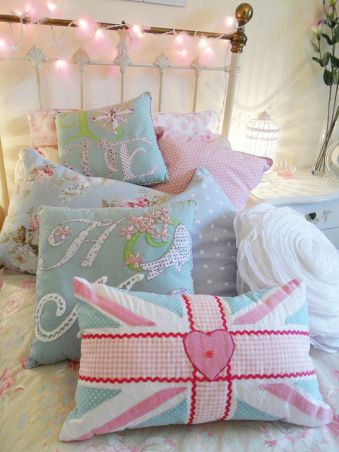 Pink Fluffy #Fairylights for a girl's bedroom.