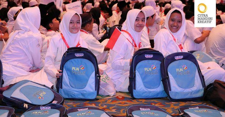 PLN sukses menyelenggarakan buka puasa bersama dengan lebih dari 24.000 anak yatim dan dhuafa dari Sabang hingga Merauke sepanjang bulan Ramadan 1438 H