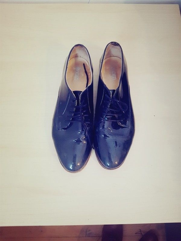 Derbies bleue vernies Eram taille 39. Cuir.