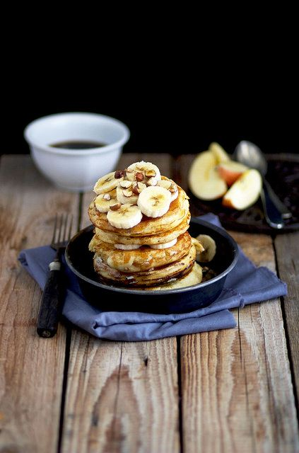 (my) Pikelets with fresh banana, hazelnuts and marple sirup <3
