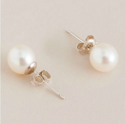 Pearl earrings . . . my every day earrings. Can't go wrong with pearls =)