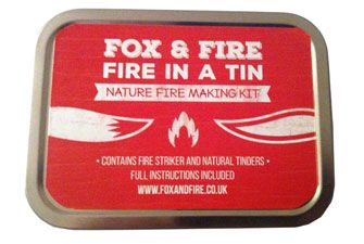 Fire making tin with natural tinders