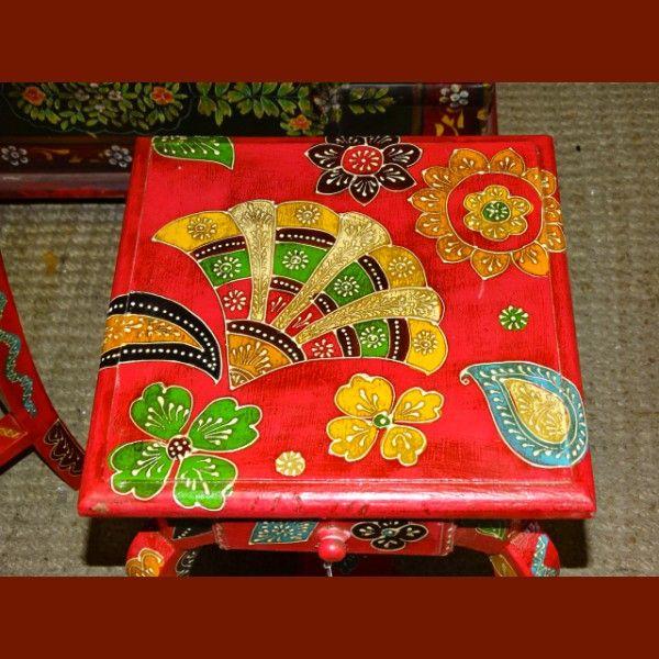 1000 id es propos de gu ridons peints sur pinterest gu ridons table remise neuf et. Black Bedroom Furniture Sets. Home Design Ideas