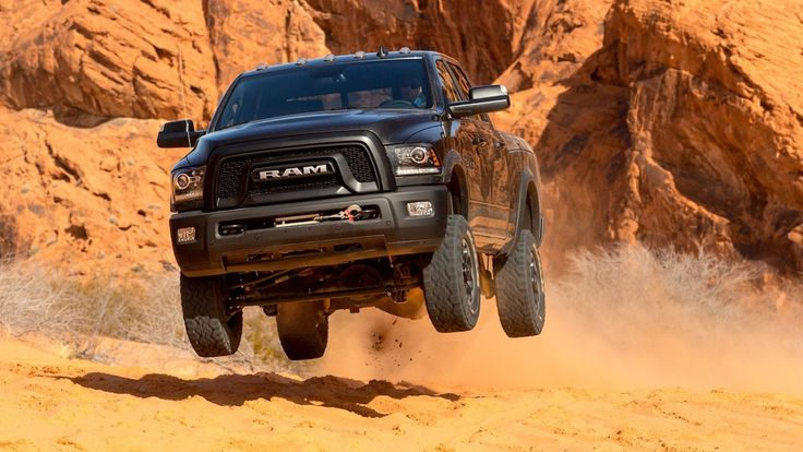 2017 Ram Power Wagon - Offroad Test (410hp Monster Truck)