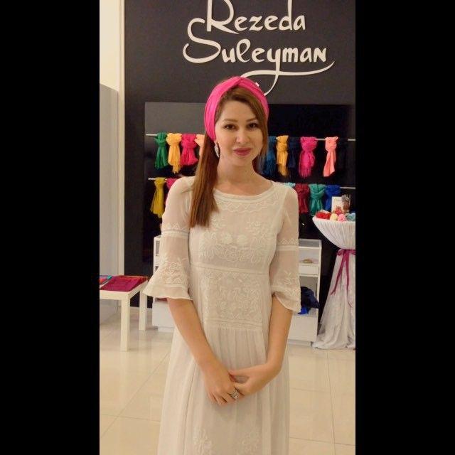 По просьбам, как на фотке  платок с магазина @rezeda_suleyman_30
