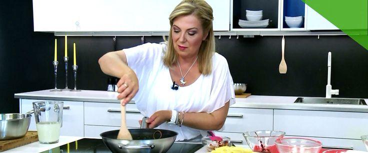 Ένα πιάτο ζυμαρικών με πιπεράτη γεύση, όπου ο συνδυασμός της ελιάς, με την κάππαρη, τη λιαστή ντομάτα και το ανθότυρο να την κάνουν ακόμη πιο έντονη. Ετοιμάζεται γρήγορα και εύκολα και εντυπωσιάζει τόσο με τη γεύση του, όσο και με την συνδυασμό των υλικών.