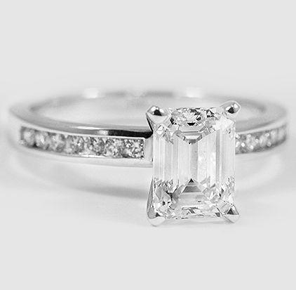 Eye-catching sparkling ring