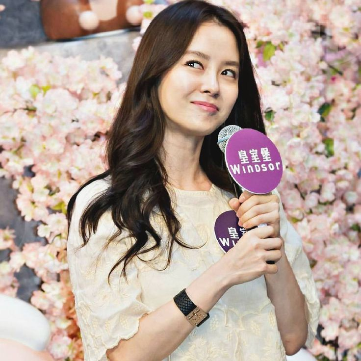 Song Ji Hyo at Windsor House in Hong Kong for The Valentine's Day Fanmeeting Event❤️