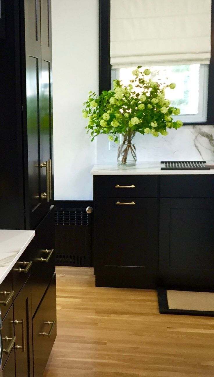 Diamond cabinets door styles finishes and specifications - Breman Cabinet Doors Are Full Overlay Styled Cabinetry Available In Various Wood Types Colors And Finishes From Diamond