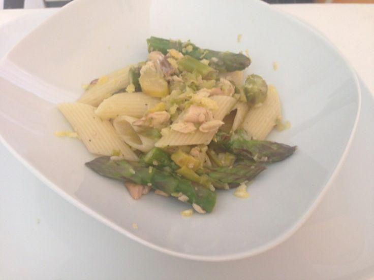 Oggi a pranzo penne con #salmone e #asparagi #food #ricette #primipiatti #granoarmando http://www.mynotestyle.com/2014/04/penne-con-asparagi-e-salmone.html