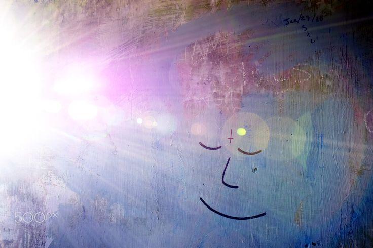 smile while dreaming - Graffiti