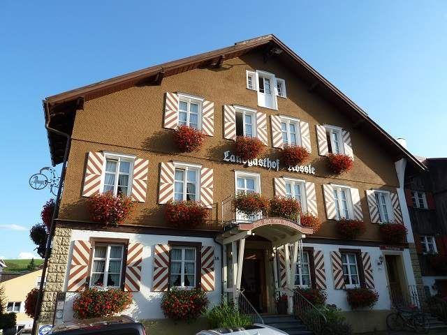 Landgasthof Rössle in Stiefenhofen im Allgäu - Reisetipp für Genießer.  Traveltip for your next visti to Bavaria.   #travelblog #bayern #allgäu #oberstaufen #reiseblog #münchen #blog #ü40 #foodies
