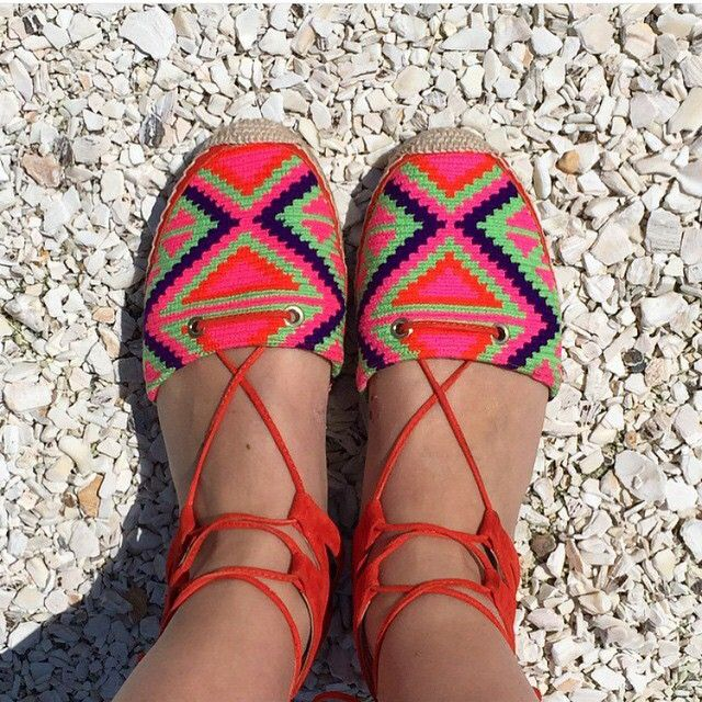 Our favorite summer soles! These Wayuu-inspired sandals are colorful and beautiful. #Fashion #colombia #travelandmakeadifference #handicraft
