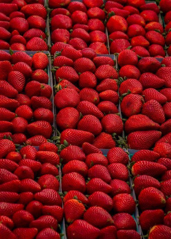 Beautifully #red strawberries.