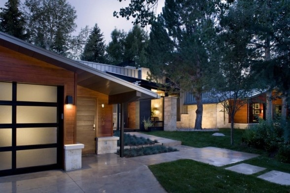 Rowland and Broughton Architecture - Ranch House Exterior: Mid Century Modern, Ranch Home, Mid Century Ranch, Ranch House, Garage Doors, Ranch Renovation, Interiors Design, Front Yard, House Exterior