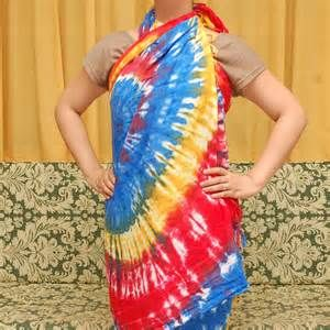 Pesquisa Formas de amarrar um sarongue. Vistas 2285.