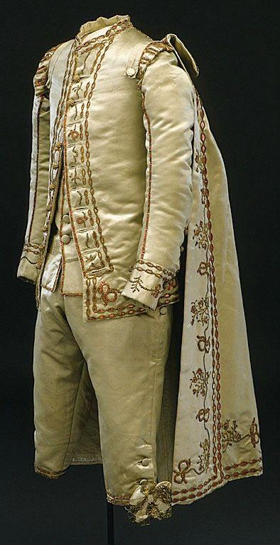 Boy's suit, Sweden, 1786. Cream silk.