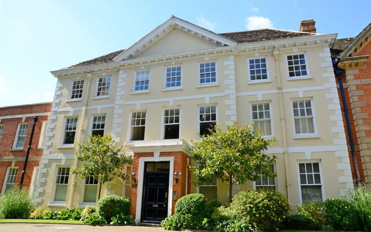 The History, Architecture and Timber Windows of Horsham, West Sussex
