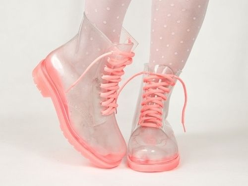 Clear shoes with pink laces <3 <3