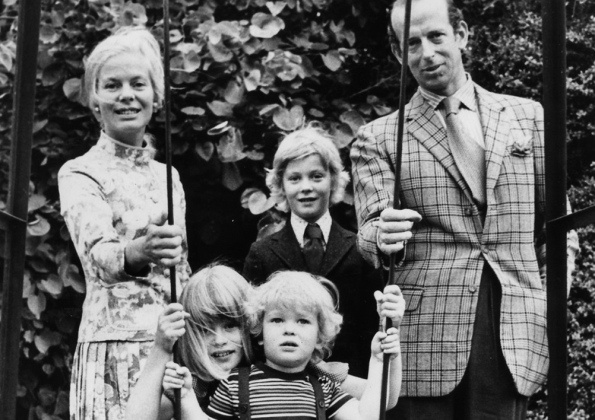 the duke and duchess of kent with their 3 children front. Black Bedroom Furniture Sets. Home Design Ideas