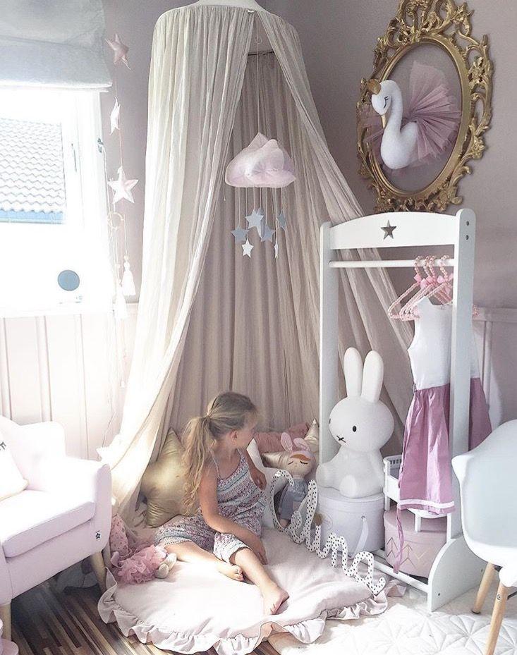 En verklig himmel ❤❤❤    : @sukkerdrom    *    *   *    *    *    *   www.babylove.se   #barnrum #kidsroom #barnrumsinredning #kidsdecor ⠀ #finabarnsaker #kidsinterior #kidsdesign #kidsperation #barneroom #inspirationforpojkar #kidsinspo #kidsdeco⠀ #nordickidsliving #kidsperation #myroom #barn #exklusiv #baby #inspirationforflickor #barnruminspo #barnrumsdetaljer #barnrumsinspiration #finahem #finabarnsaker #barnerum #mittbarnerom