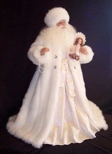 ❤︎ ~ My Christmas Style ~ ❤︎ Ivory Christmas Santa ✦ https://www.pinterest.com/sclarkjordan/~-my-christmas-style-~/