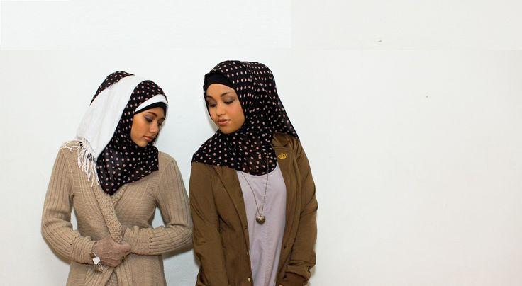 Spotty Black Hijab Sisters
