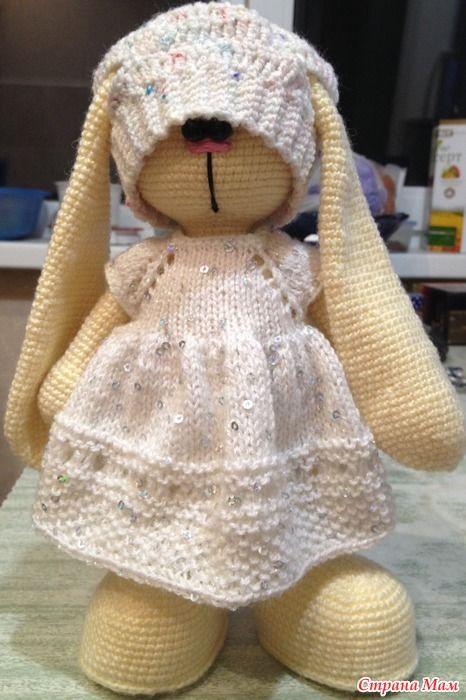 Всем здравствуйте!!! Сегодня я хочу показать свою новую работу, совершенно для меня новую. Все мы с вами любили в детстве играть в куклы и шить на них одежки.