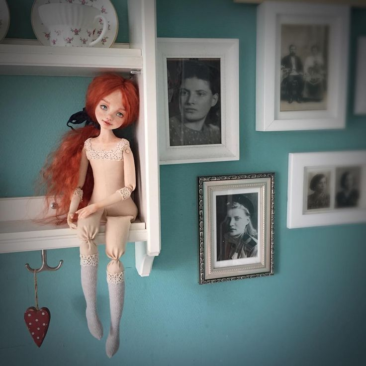 Сидит, ждёт панталончики☺️ #artdolls #bobetta_doll #bjddoll #кукла #интерьернаякукла #подвижнаякукла #куклавпроцессе #куклавинтерьере #будуарнаякукла #будеткукла #авторскаякукла #авторскаяигрушка #коллекциякукол #коллекционнаякукла #кукларучнойработы #полимернаяглина #куклаинтерьерная #куклабудуарная #интерьер #украситьдом #интерьерныеигрушки #интерьерныевещи