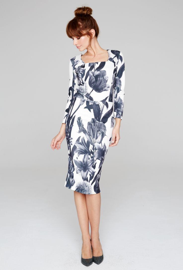 Rochie midi eleganta, cu imprimeu floral si decolteu patrat.
