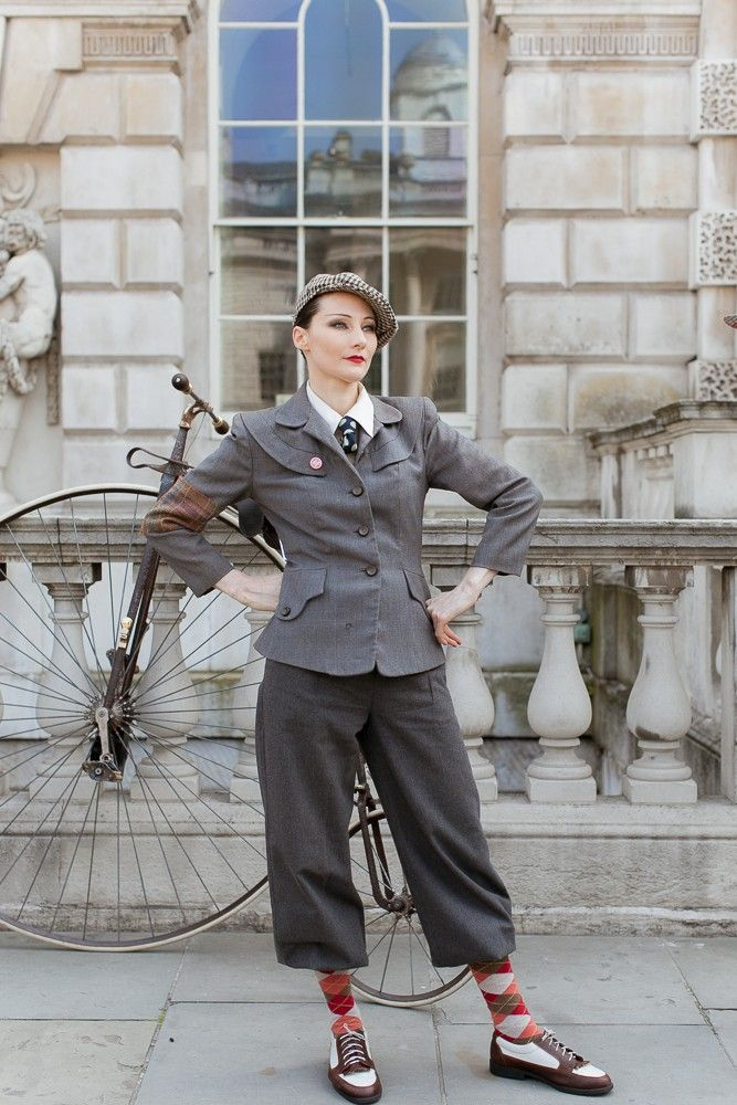 Probably the most photogenic bike ride in the world: the London Tweed Run