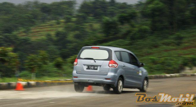 SX4 Club Indonesia : Defensive Driving Sekaligus Ultah Ke-5