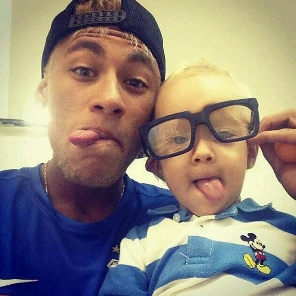 Neymar Family, Father, Mother, Sister, Son | SuccessStory