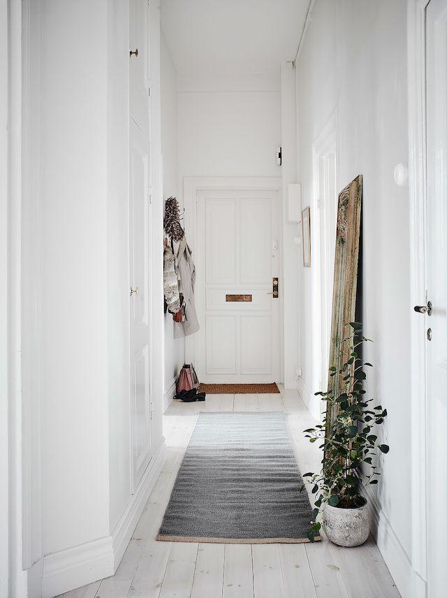 best 25 narrow entryway ideas on pinterest narrow hallway decorating narrow hallways and. Black Bedroom Furniture Sets. Home Design Ideas