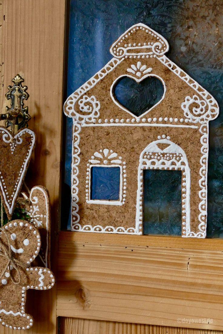 Auf einem Weihnachtsmarkthatte ich kürzlich kunstvoll mit Zuckerguss verzierte Lebkuchenhäuser bewundert. Mitgenommen hatte ich nur die Idee der hübschen Bemalung, die ich auf einem anderen Material ausprobieren wollte. Meine ersten Versuche startete ich mit einem weissen Lackstift auf Packpapier. Heute schnappte ich mir eine Korkfliese, die ich mit einem scharfen …