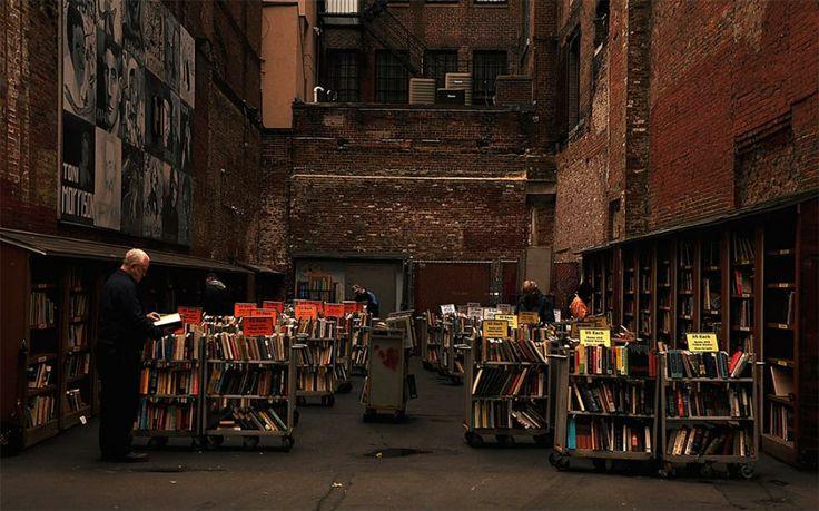 Boston (EEUU). La sección al aire libre de la librería Brattle de Boston (EEUU)