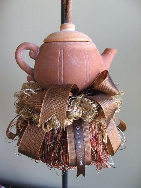 teapot tassel