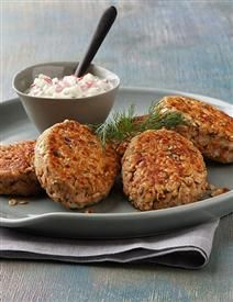 DILLED SALMON CAKES - Recipe | Quakeroats.com